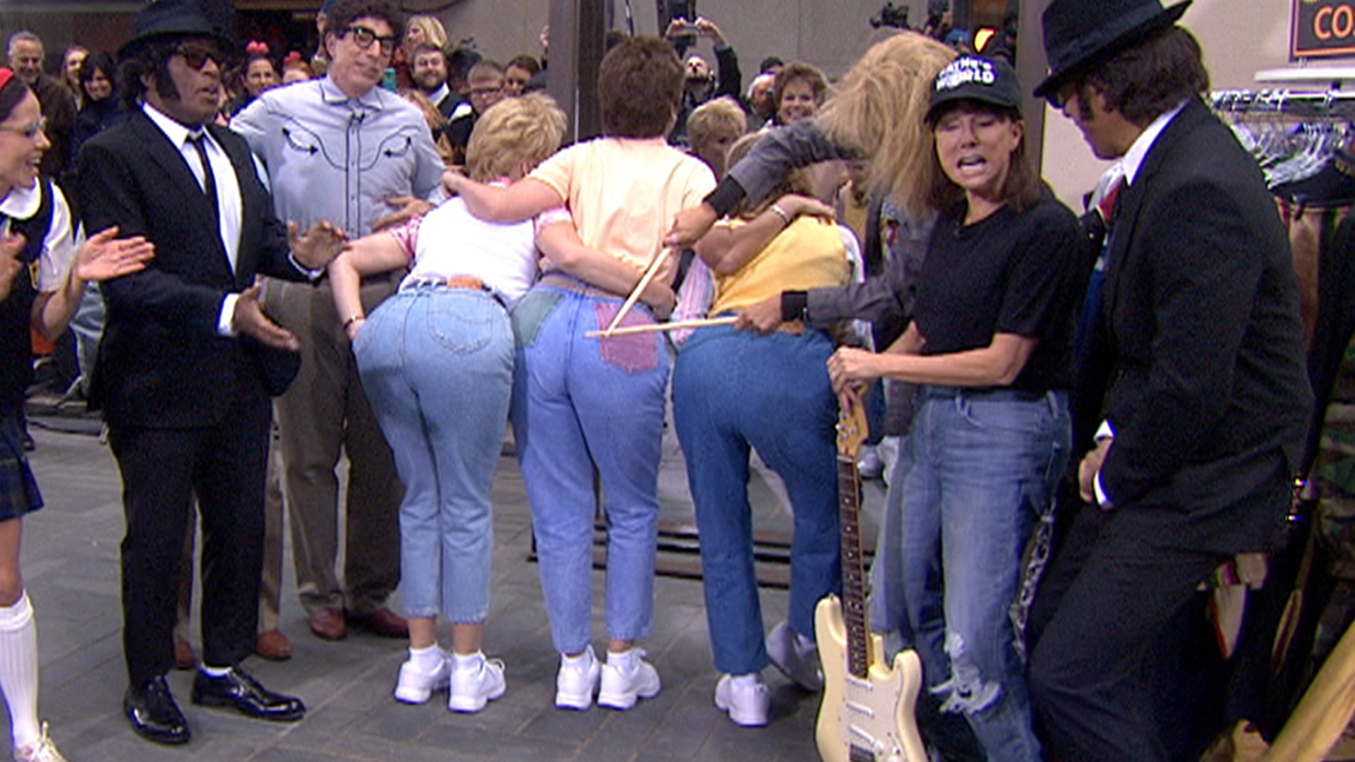 today ladies hit the plaza in their �mom jeans� todaycom