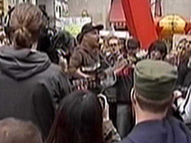 Occupy Wall Street raises its profile