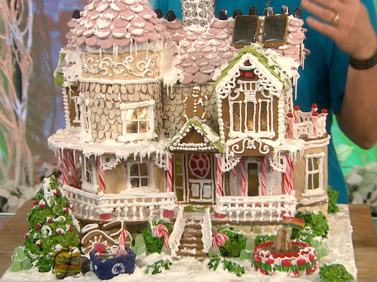 Viewers Compete For Best Gingerbread House Title