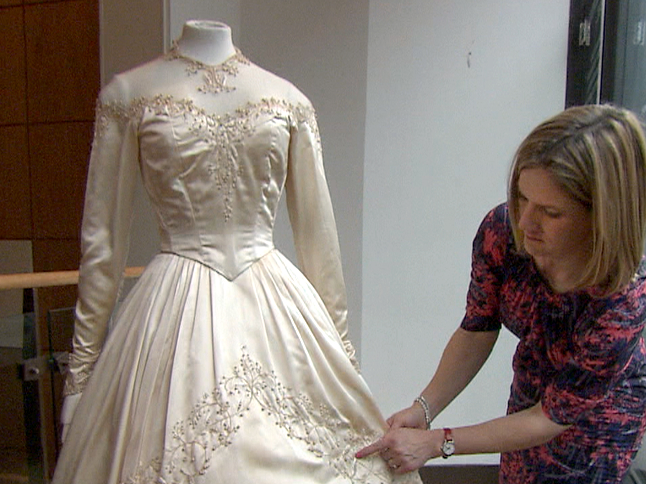 Elizabeth Taylors First Wedding Dress Up For Auction