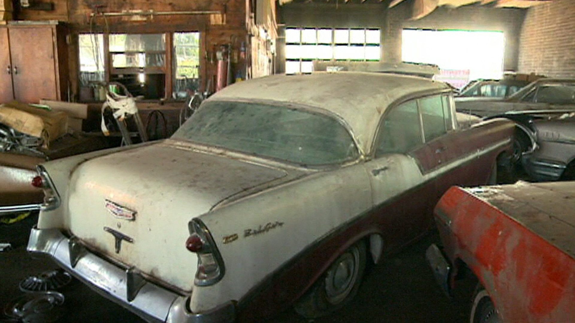 secret stash of classic cars to be auctioned off nbc news. Black Bedroom Furniture Sets. Home Design Ideas