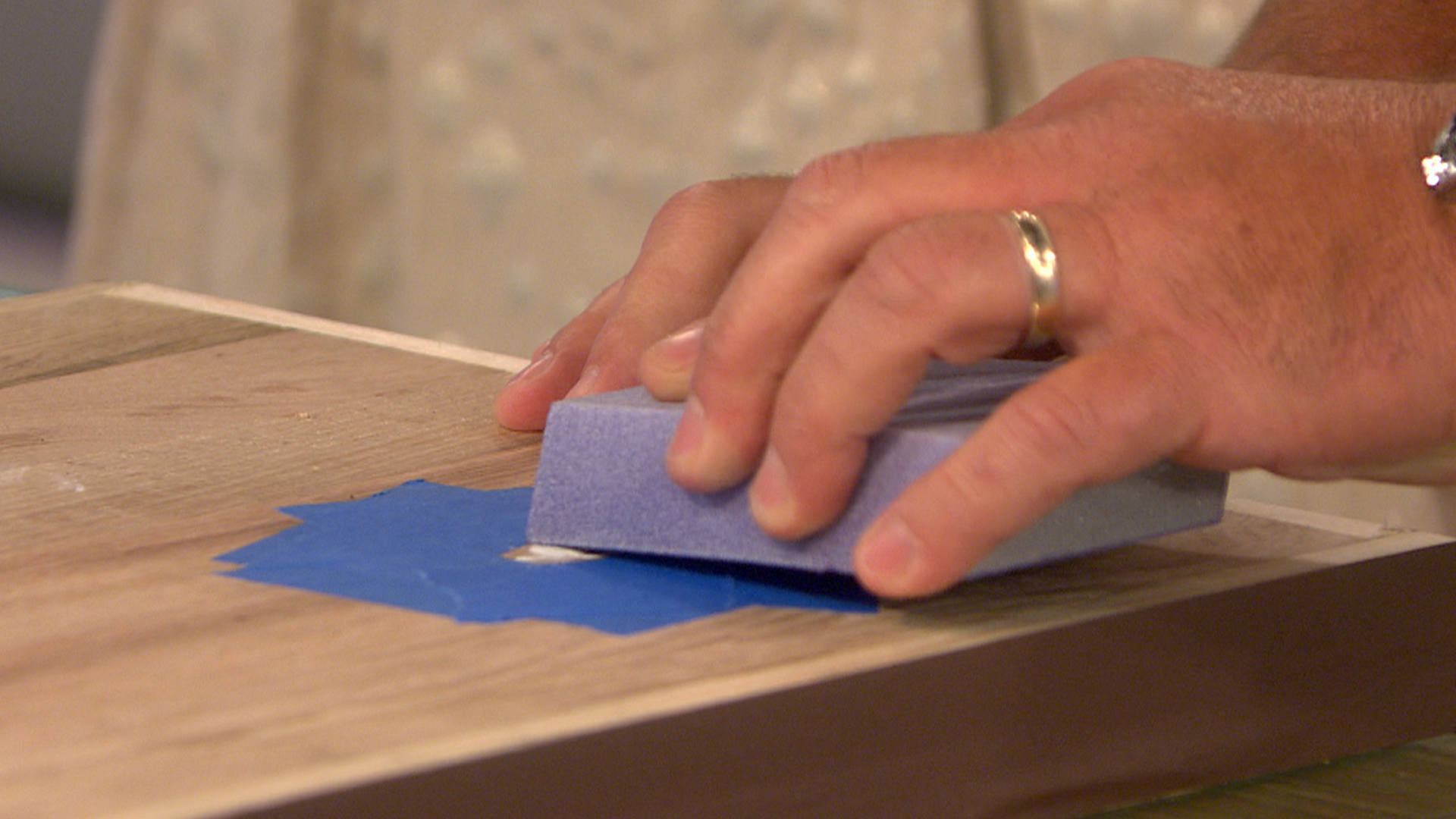 lou manfredini reveals how to get paint off wood