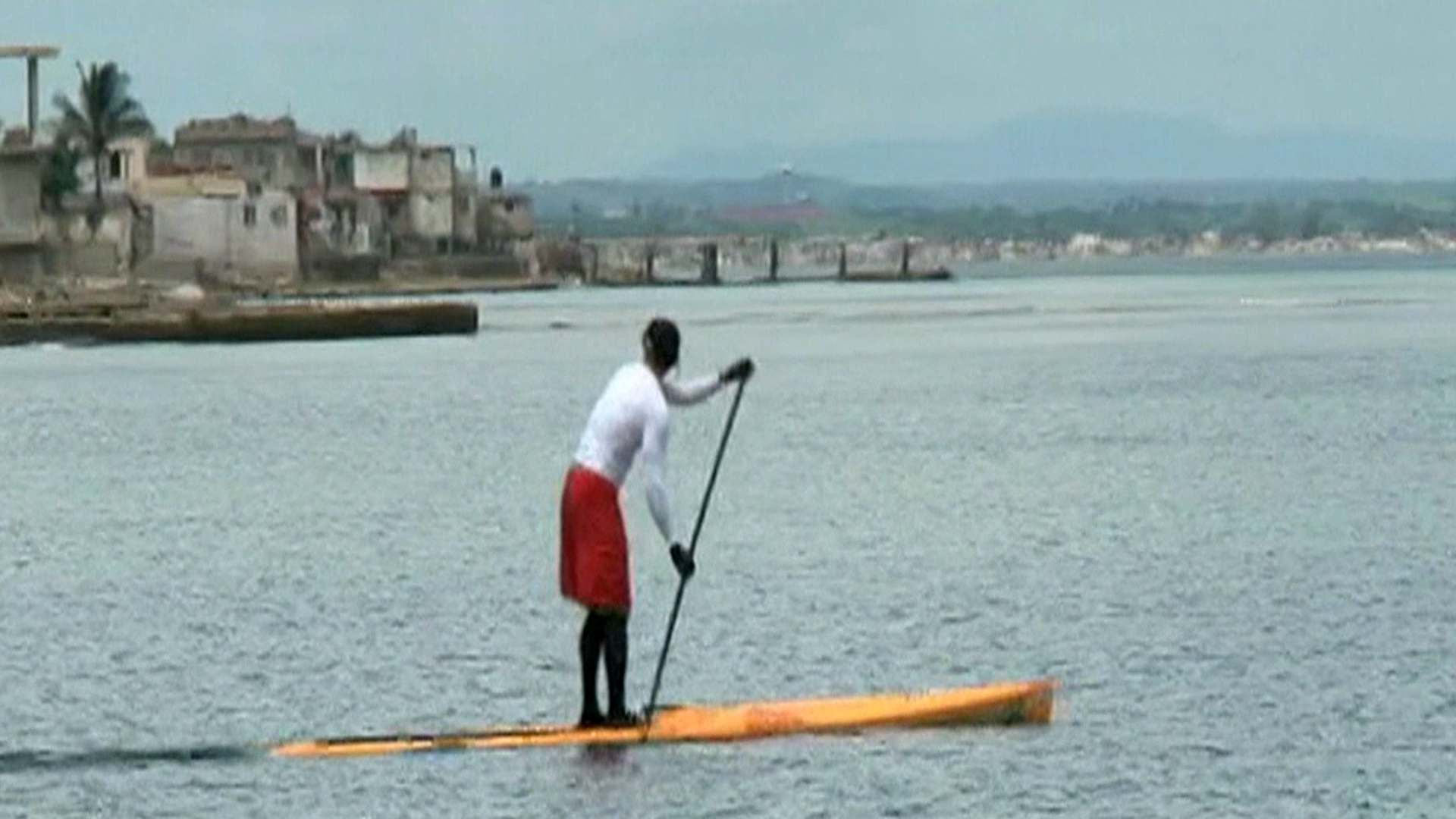 Man paddle boards from Cuba to Key West