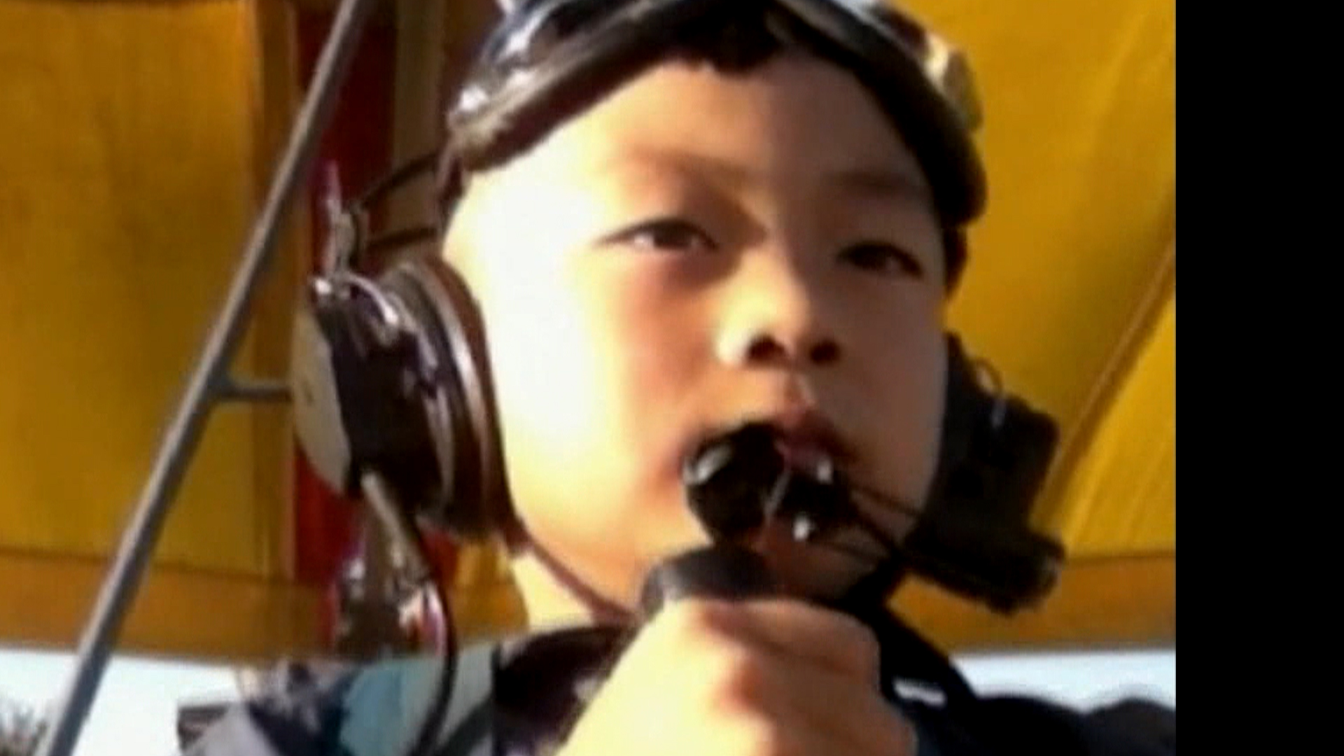 China's 'Eagle Dad' trains son, 5, to fly