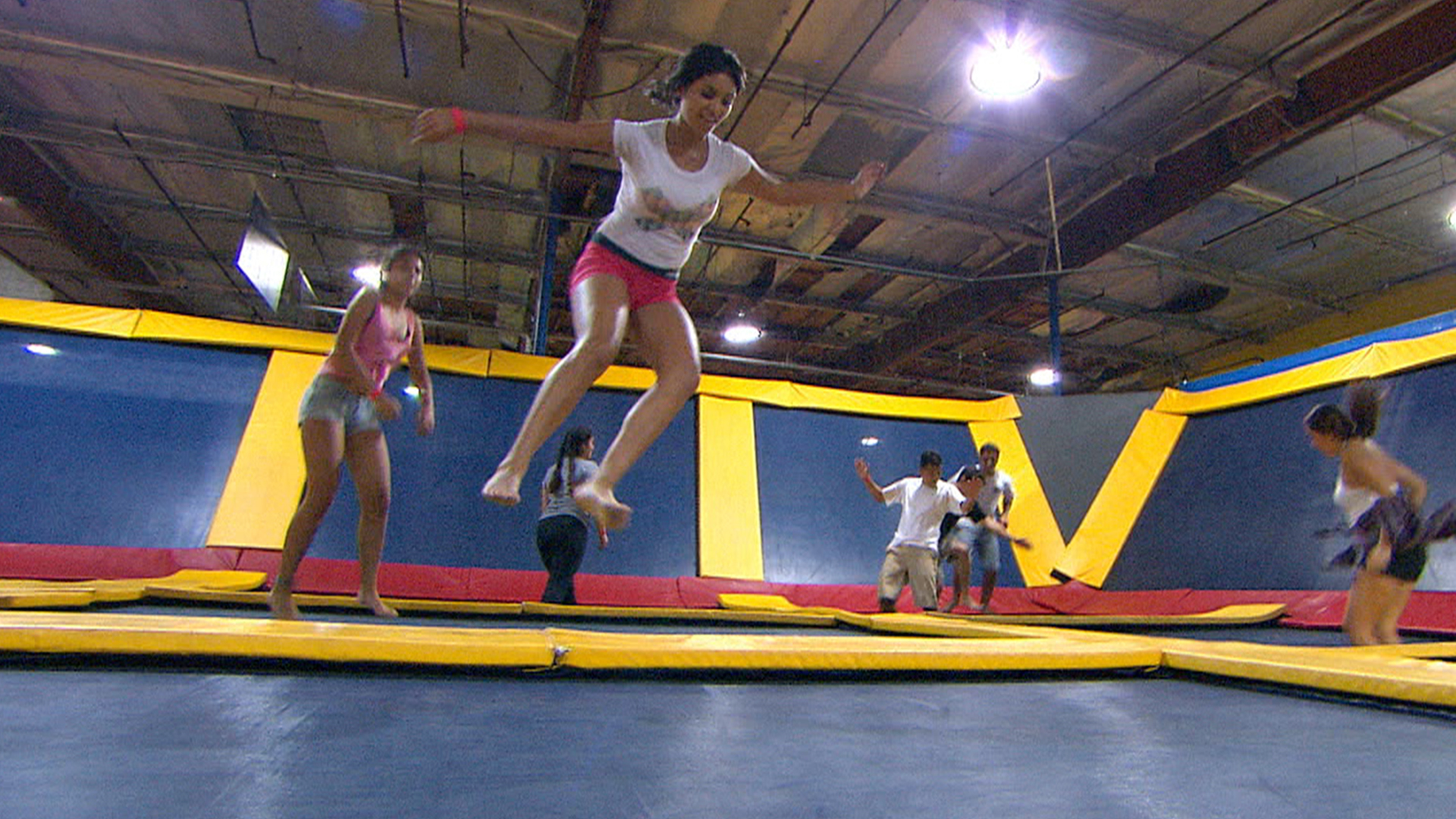 how to start a trampoline park