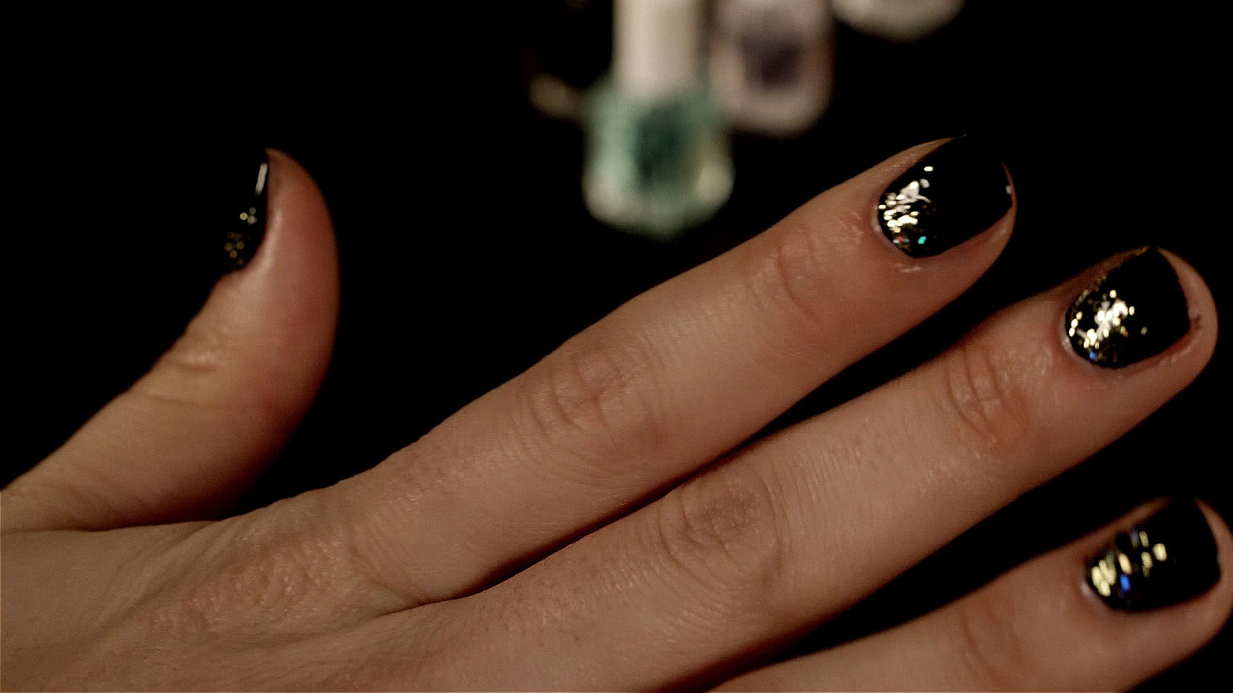 New Year\'s Eve nail art that anyone can do in a flash