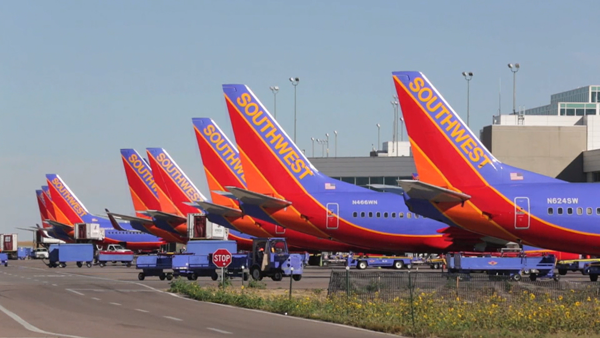 passenger airline industry southwest airlines At 43 years of age, southwest airlines is firmly entrenched in middle age within a mature us market place during its more than four decades the airline has largely.