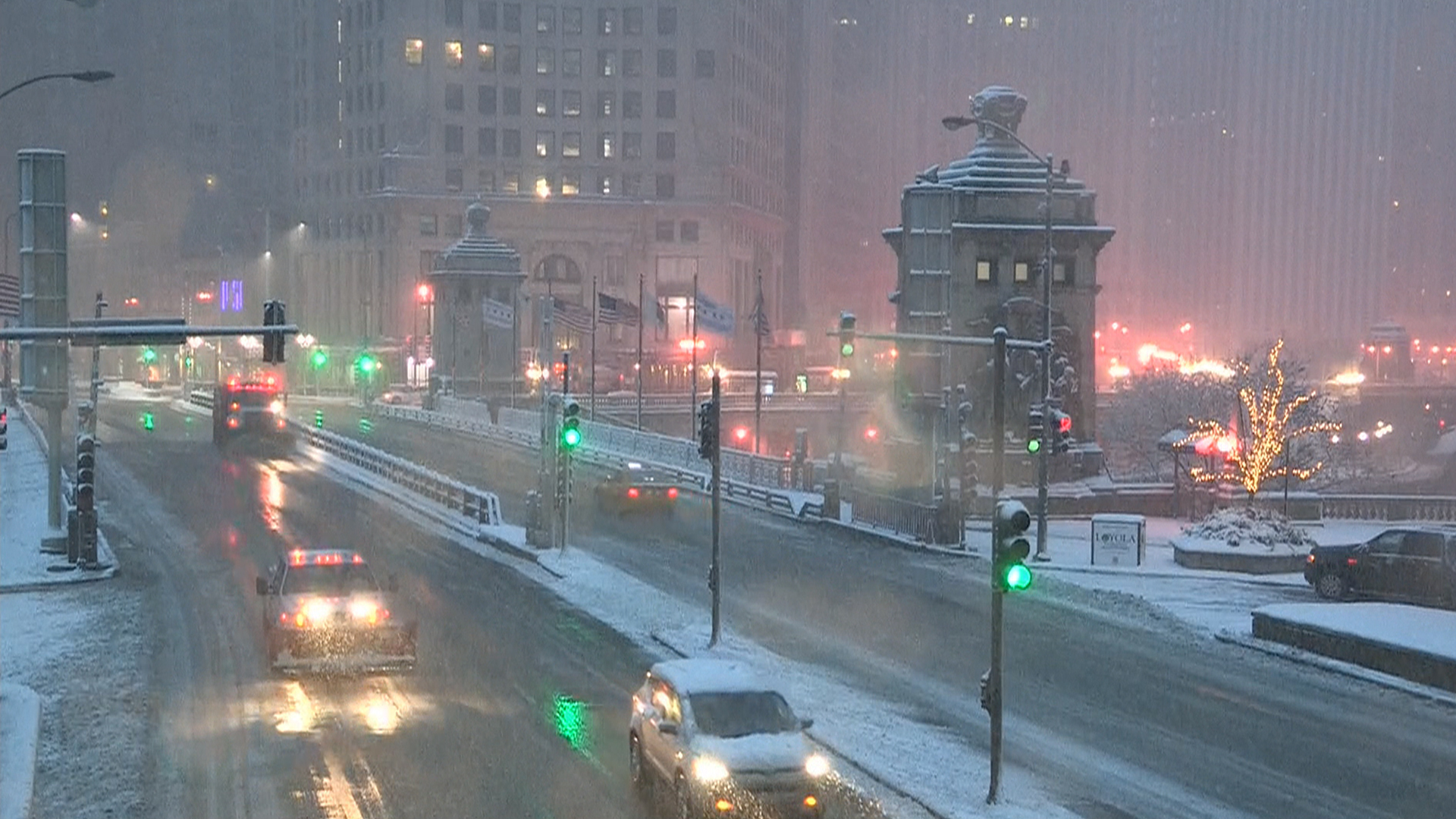 Winter storm heads east after slamming Midwest