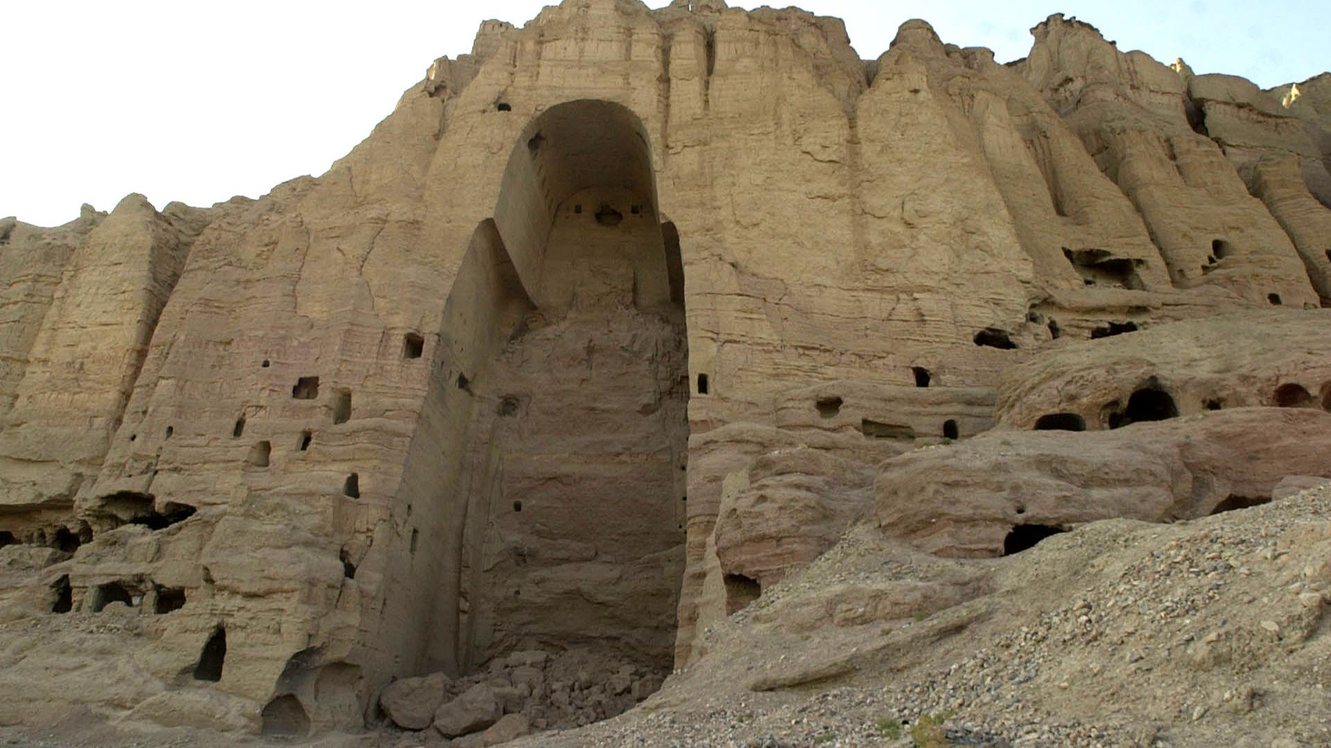 a modern controversy on bamiyan buddhas Bamiyan buddhas: should they be rebuilt the bamiyan buddhas have captured the international imagination and ideas for what to do with the it is in ruins but to be able to build it back to its previous grand state may be possible with modern advanced technology but it would.