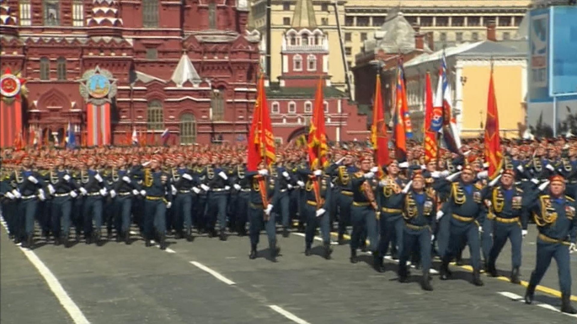 Putin Takes Swipe at U.S. in Massive Red Square Military Parade