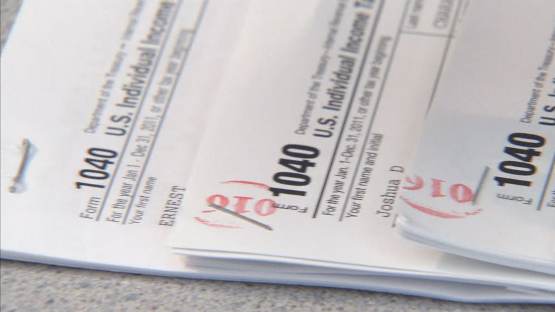 Irs Says Thieves Stole Tax Info From 100000 Taxpayers