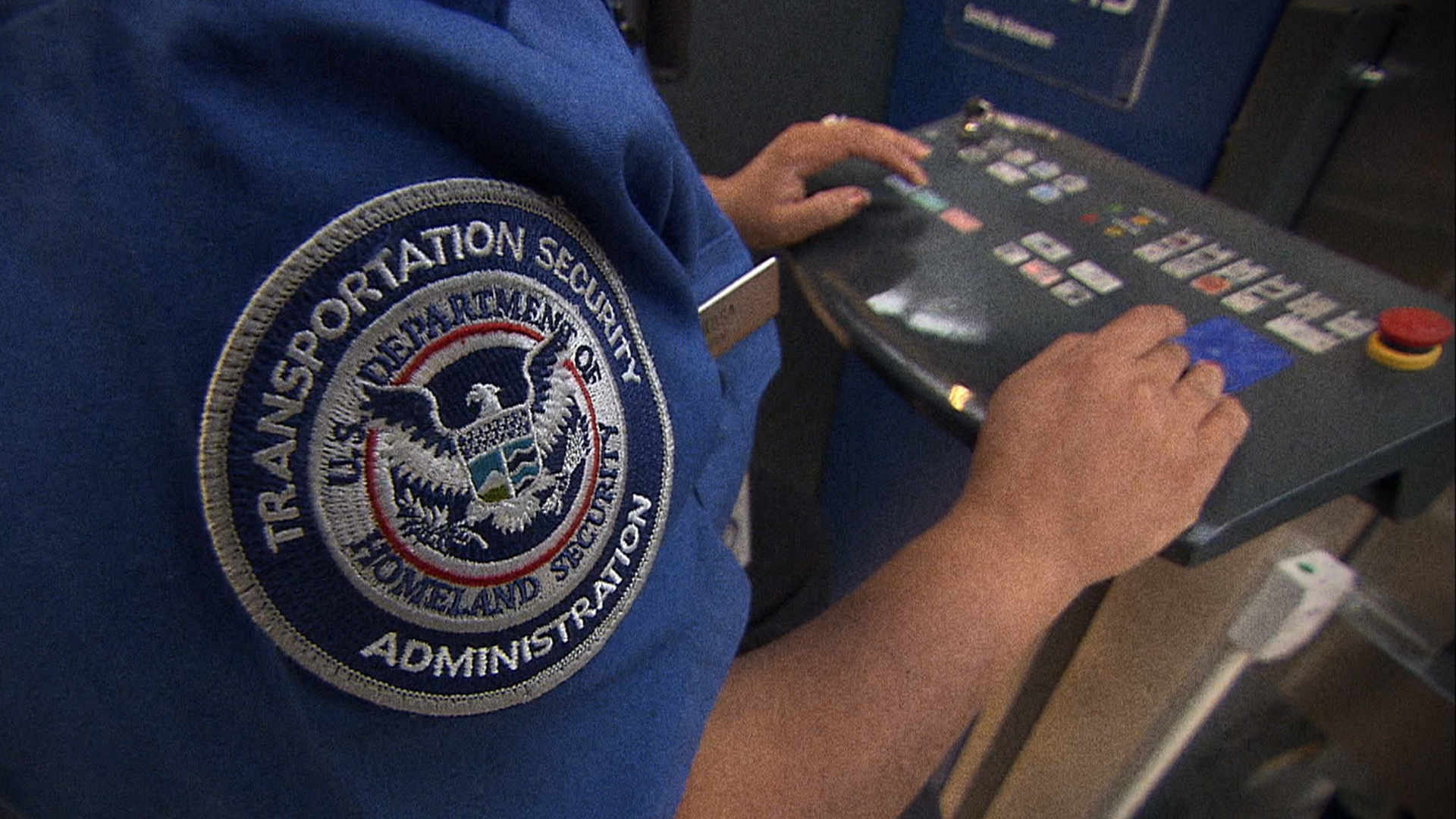 TSA Failed 95 Percent of Breach Tests Letting Weapons, Fake Bombs Through