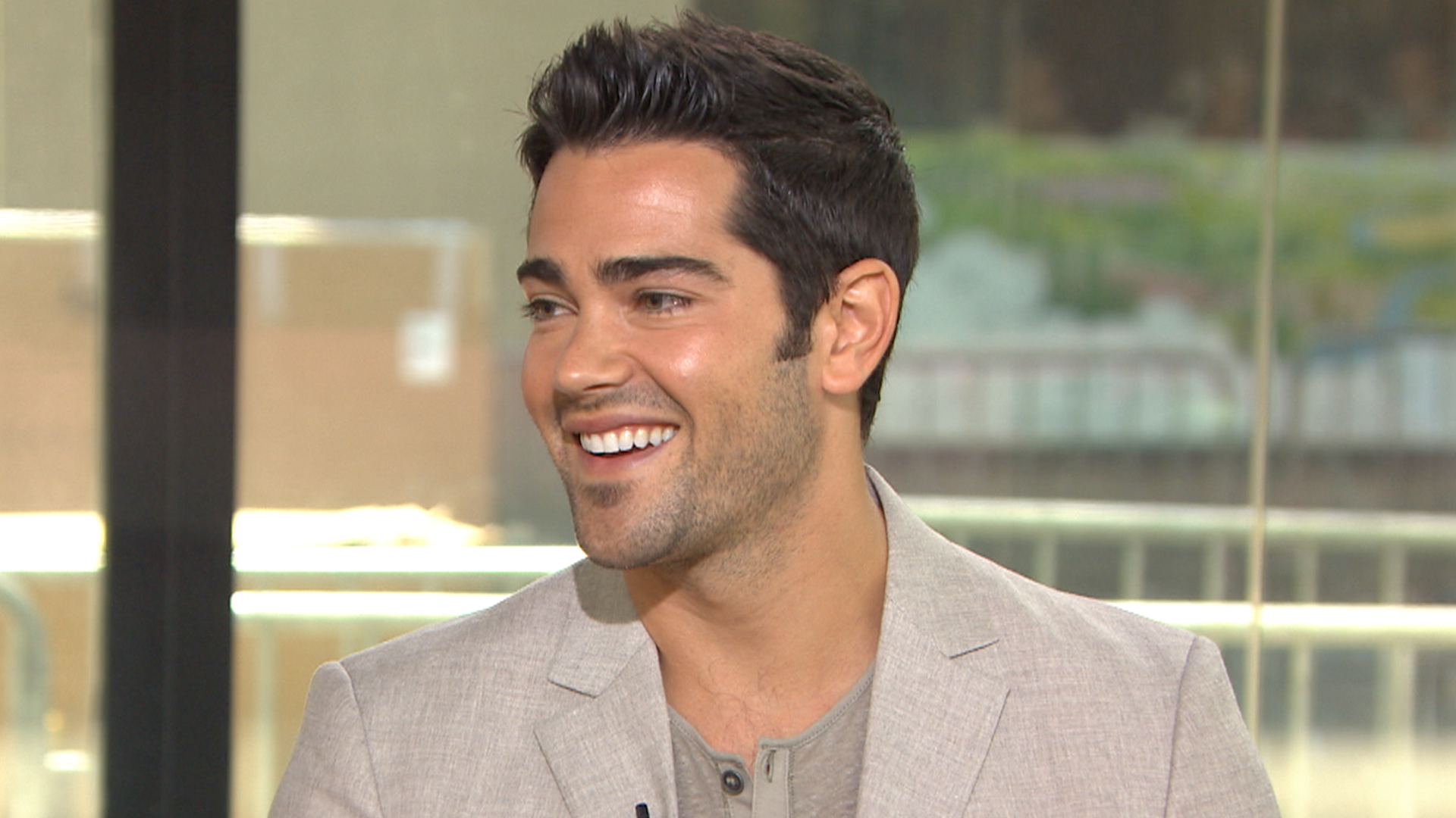 metcalfe personals He plays a cheating high-school jock in the comedy john tucker must die, but in real life jesse metcalfe is.