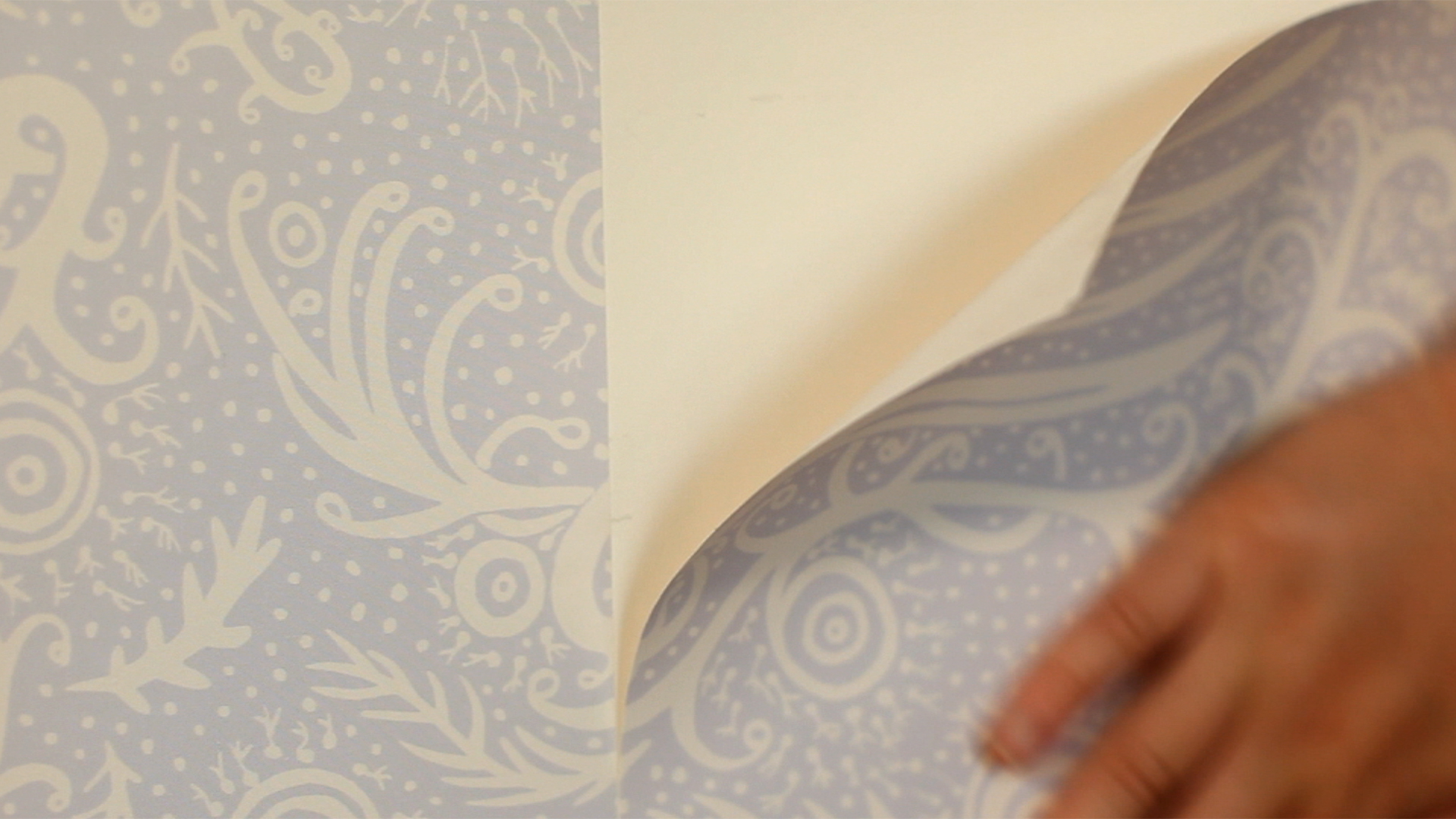 diy how to apply temporary wallpaper