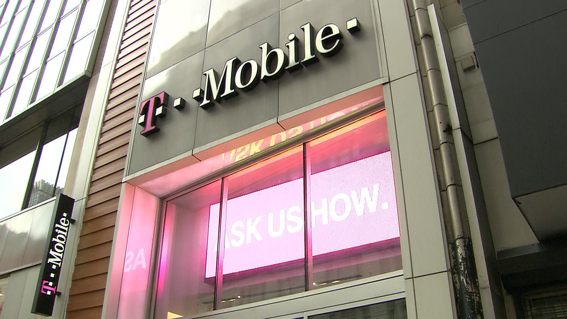 T-Mobile customers' stolen taken after Experian hack