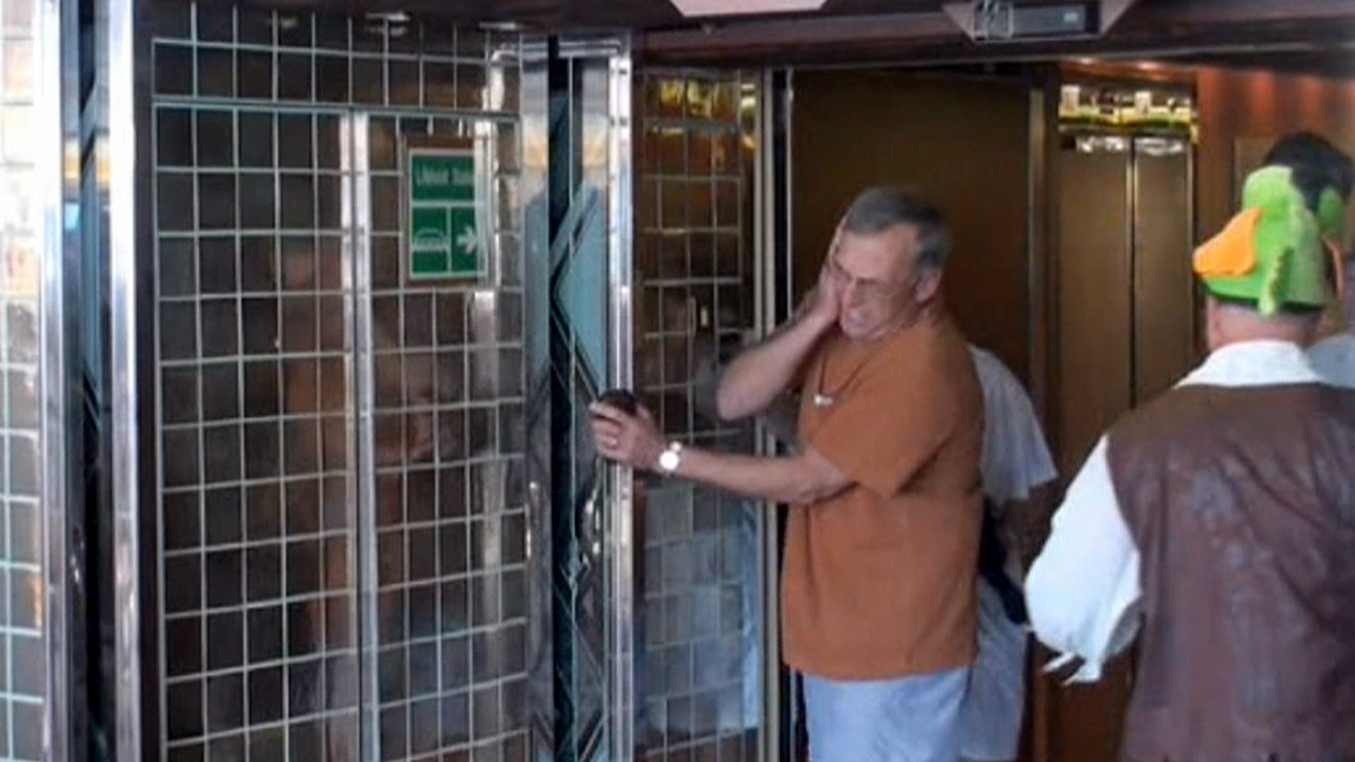 & Man hit in head by automatic door on cruise ship awarded $21 million