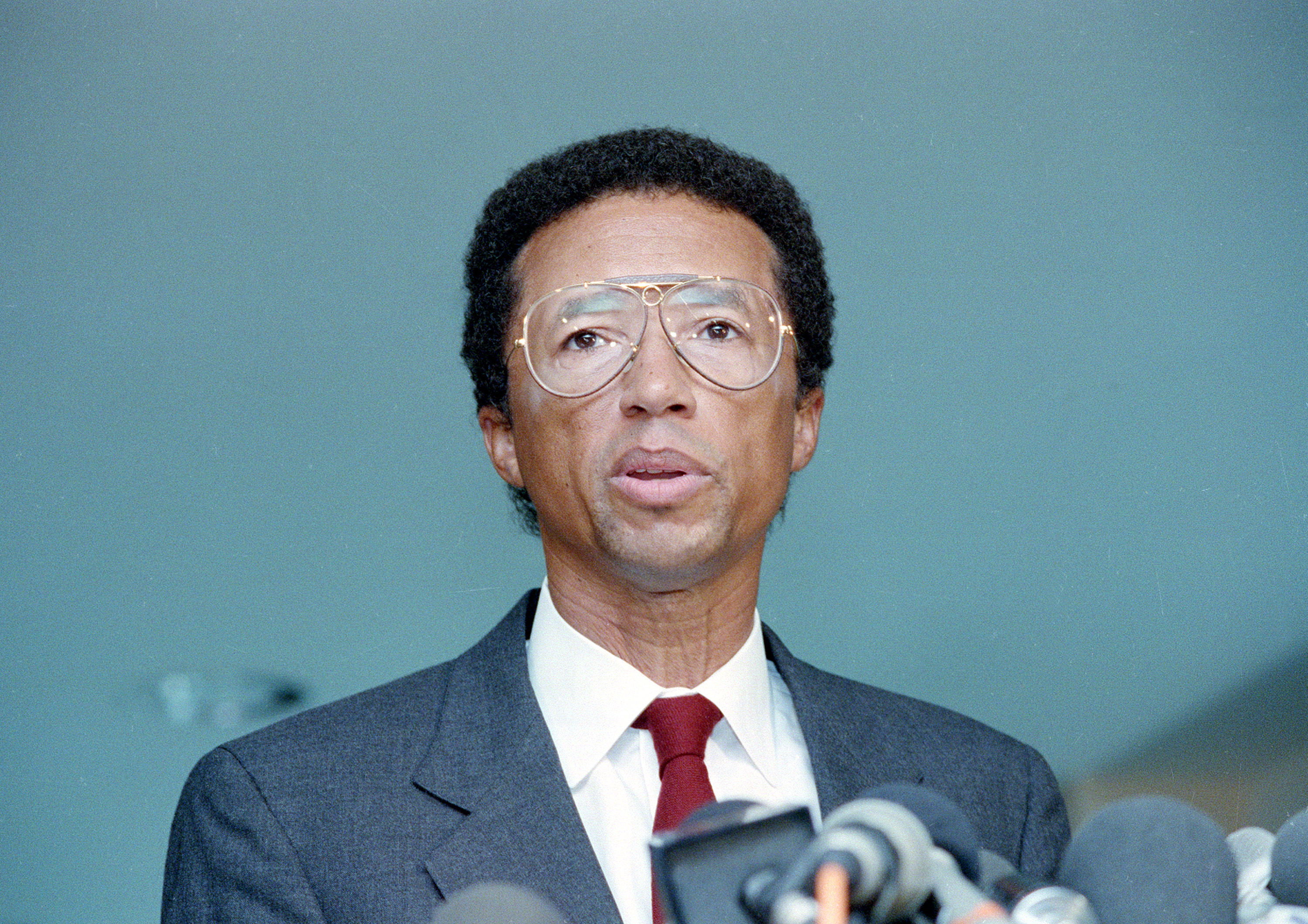 Flashback Arthur Ashe discusses AIDS diagnosis NBC News