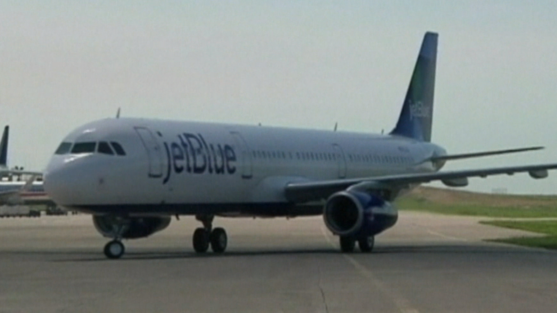 JetBlue to Recruit Two-Dozen Non-Fliers to be Pilots