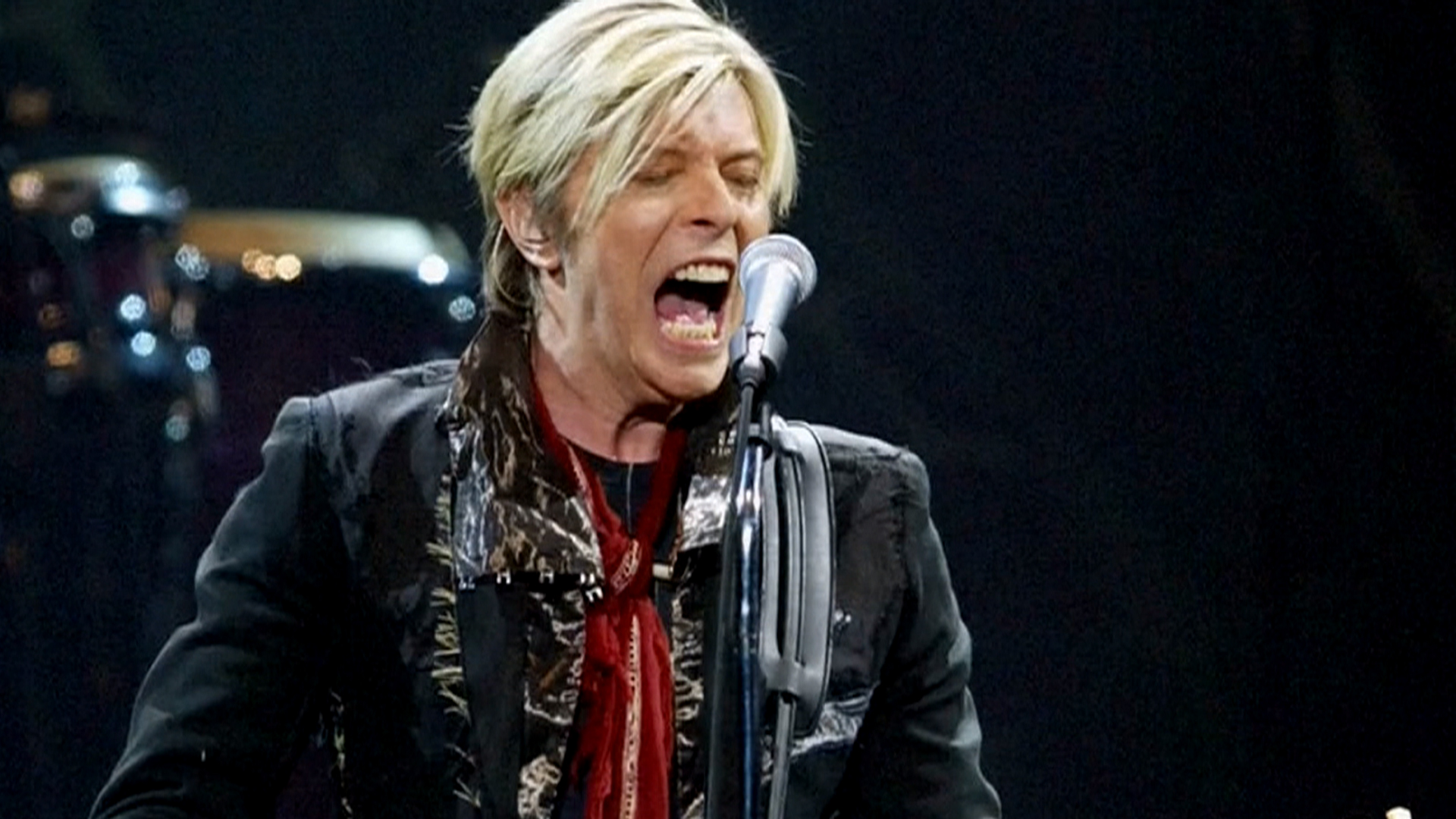 david bowie 39 s best loved characters ziggy stardust to. Black Bedroom Furniture Sets. Home Design Ideas