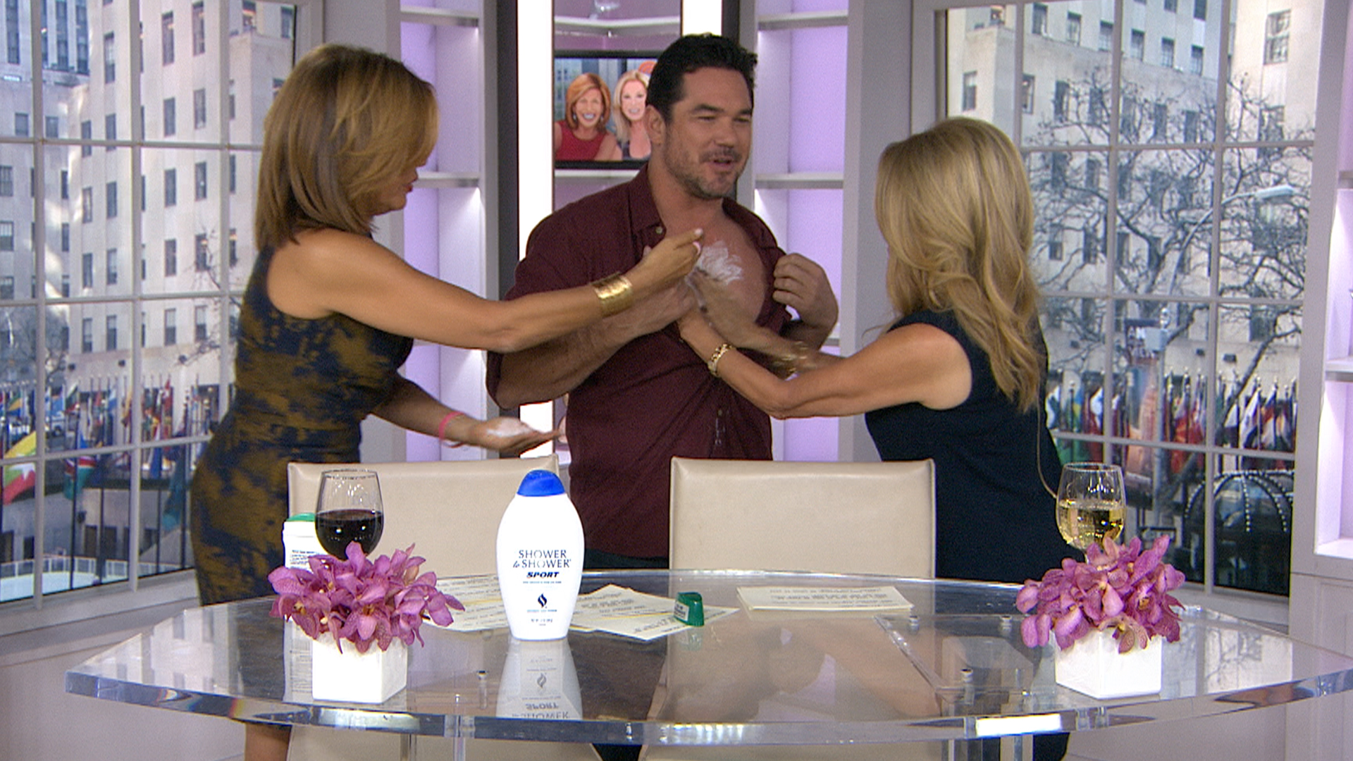 klg and hoda try to make dean cain smell like ray liotta. Black Bedroom Furniture Sets. Home Design Ideas