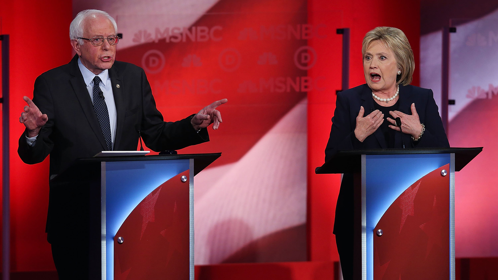 Clinton, Sanders Show Sharp Differences in 2016 New Hampshire Debate