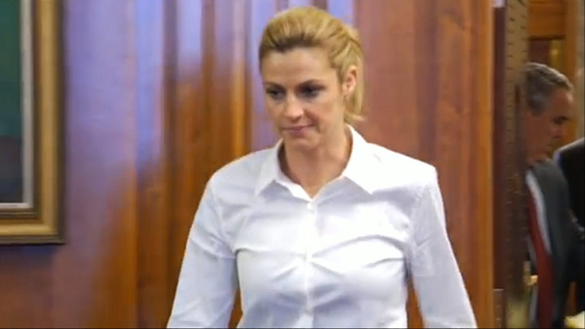 Erin Andrews Set To Testify As Early As Monday In Stalker -5337