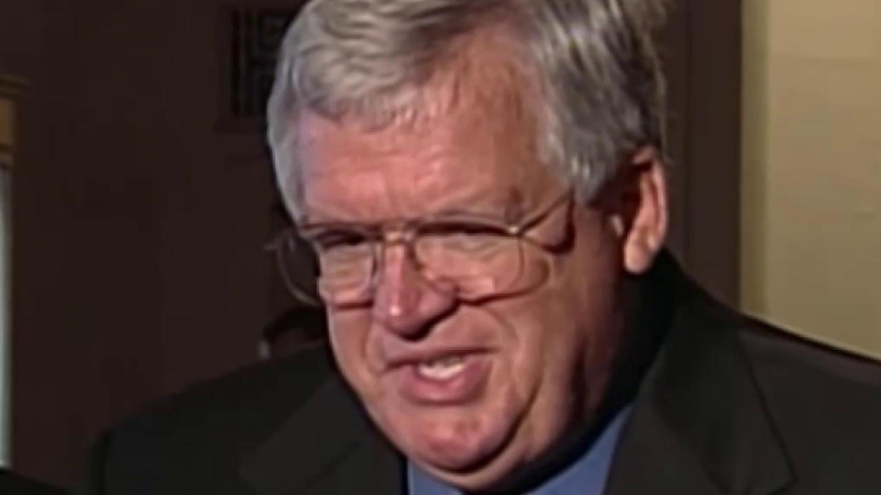 Hastert victim identifies himself in court
