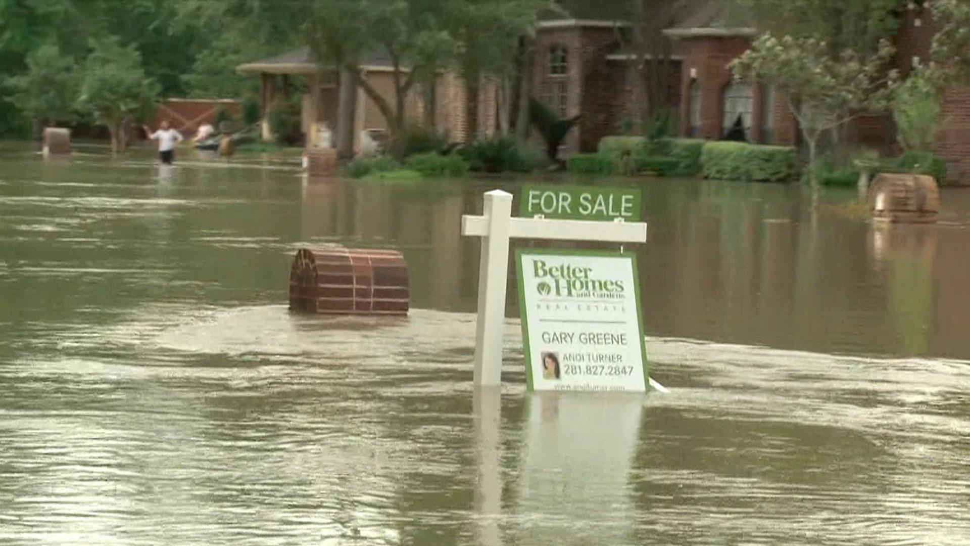 Floods in Texas: Death toll rises as Houston braces for ...