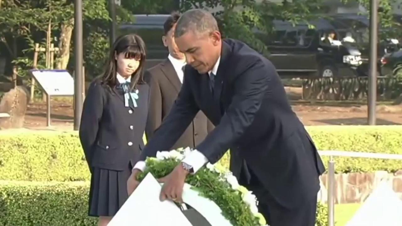 Obama lays wreath at Hiroshima