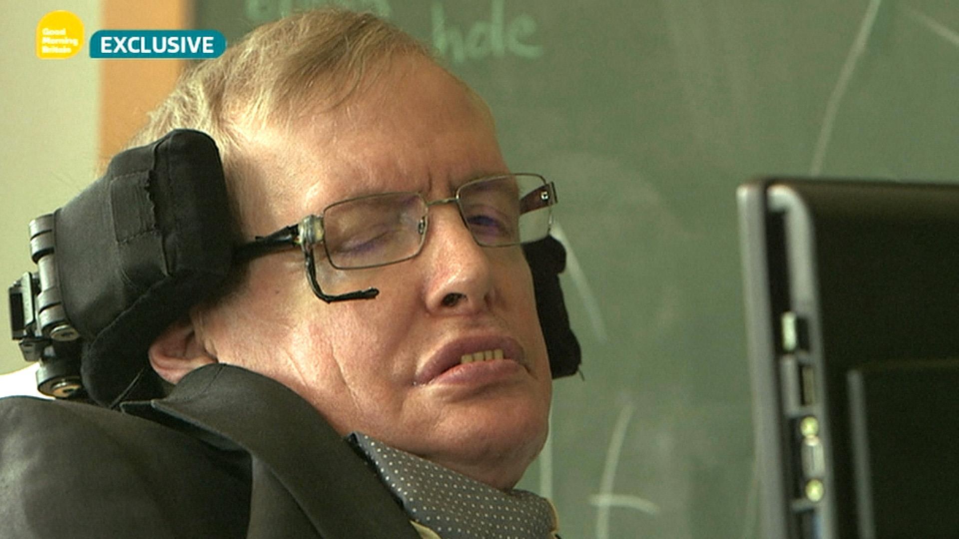 Stephen Hawking: Donald Trump Appeals to 'Lowest Common Denominator'