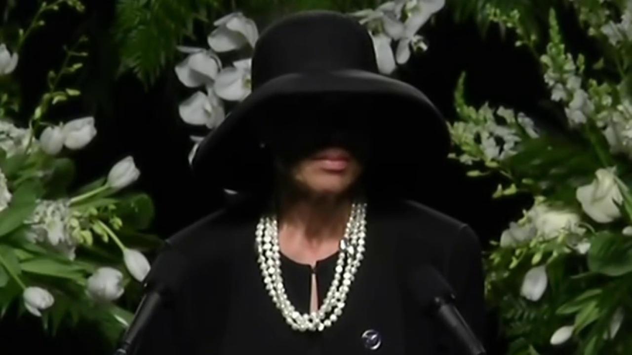 Muhammad Ali's wife speaks at memorial
