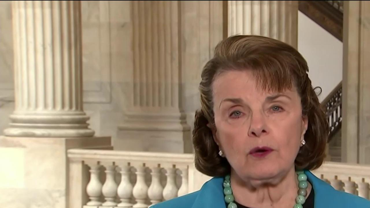 Senator: 'So easy' for terrorists to buy guns