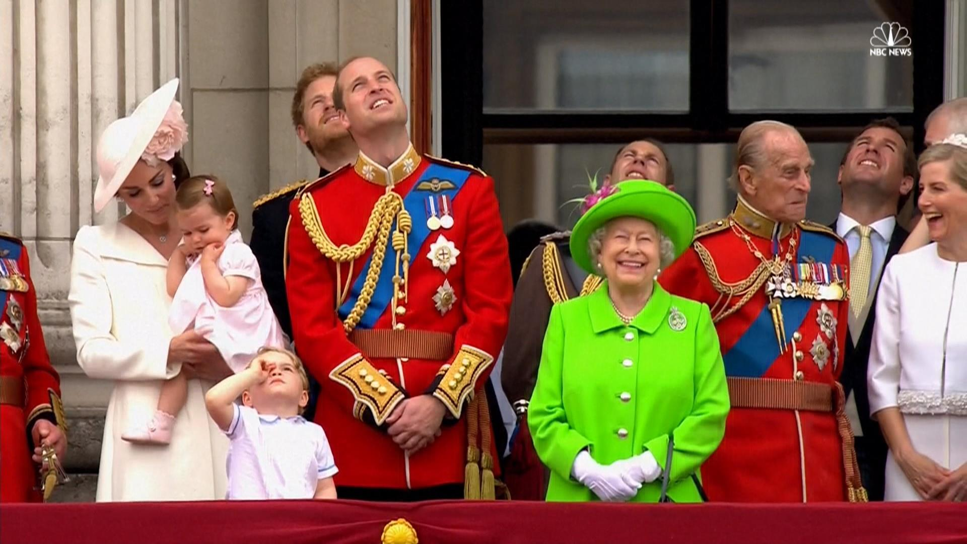 Buckingham Palace Facts Queen Elizabeth Celebrates Official Birthday At Buckingham