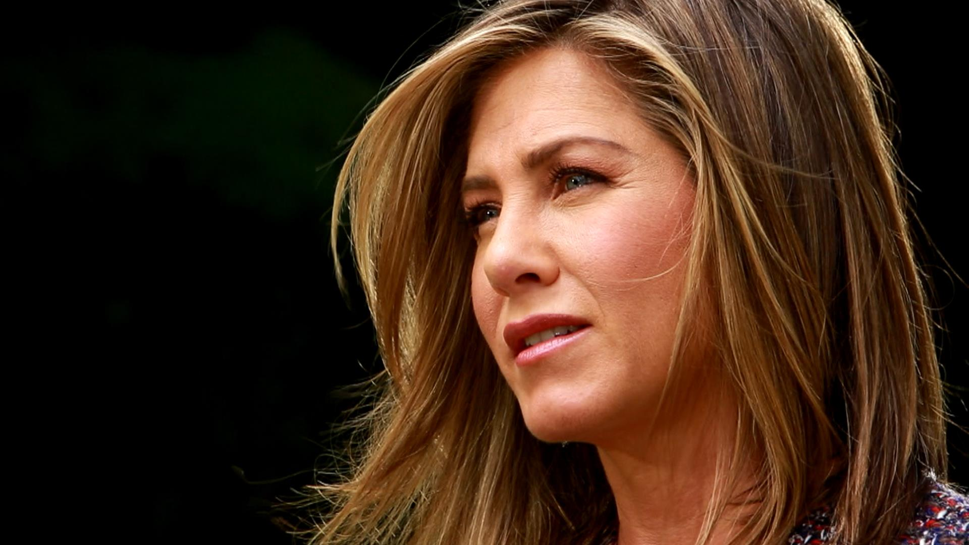 Jennifer Aniston: Jennifer Aniston To Tabloids: I'm Not Pregnant, I'm Fed Up