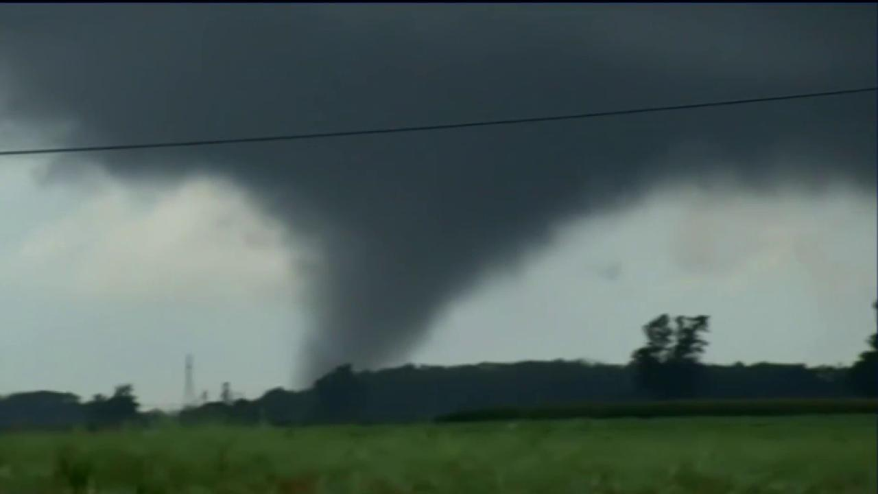Tornadoes rip through Indiana, Ohio