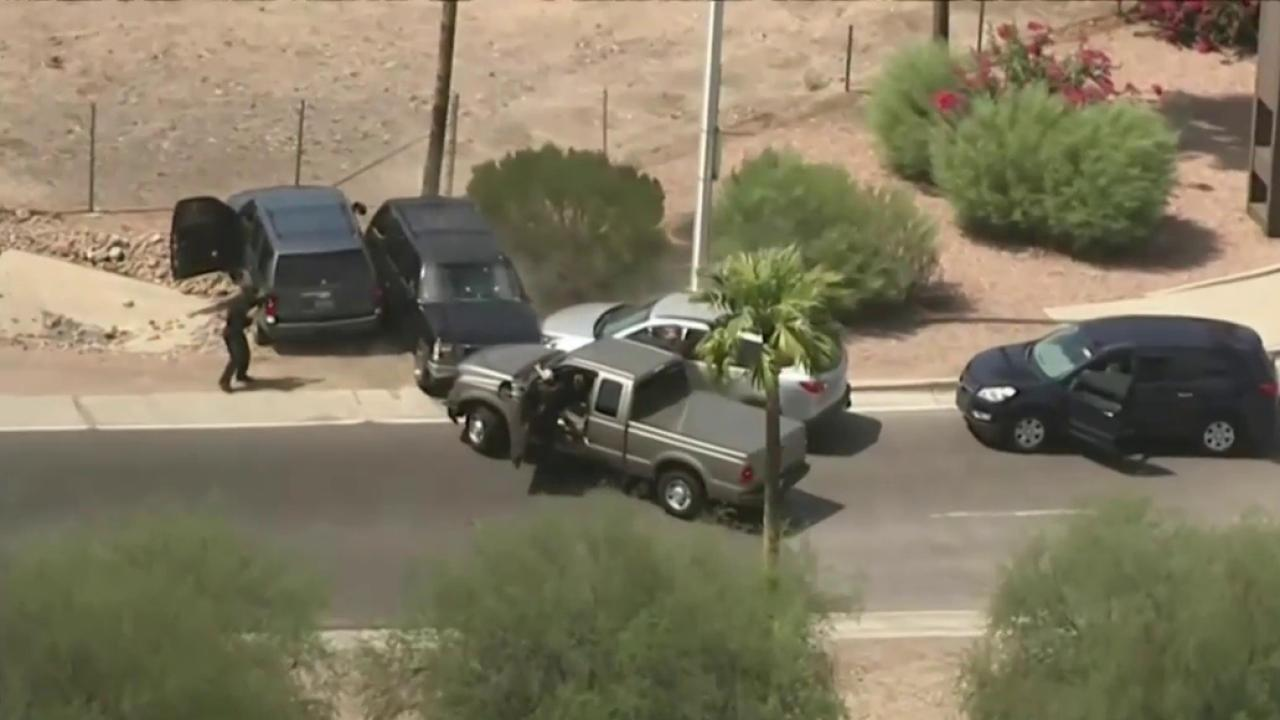 Suspected Bank Robber Killed as Phoenix-Area Pursuit Ends in