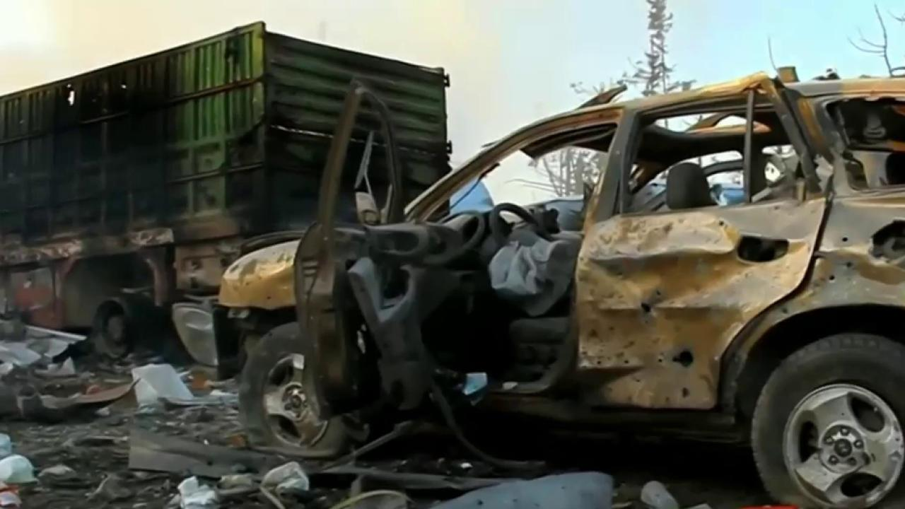UN suspends aid in Syria after airstrikes