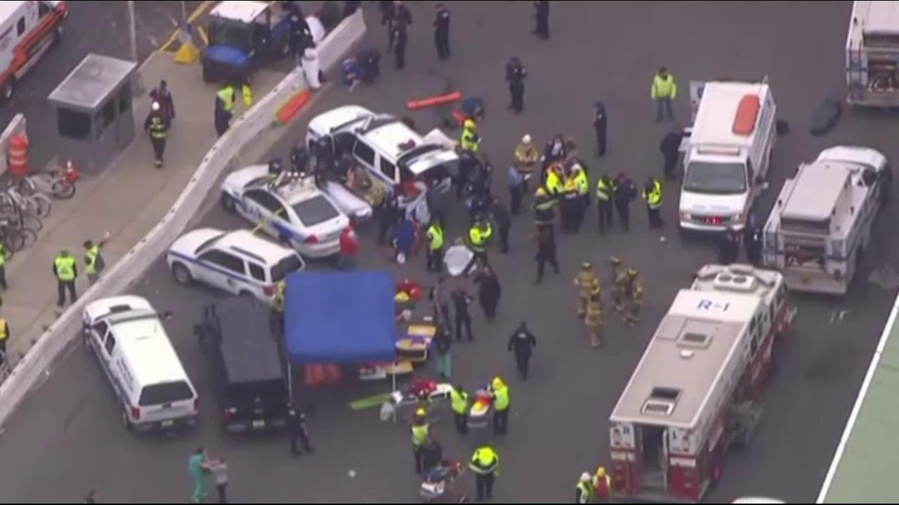 Gov. Christie gives update on NJ train crash