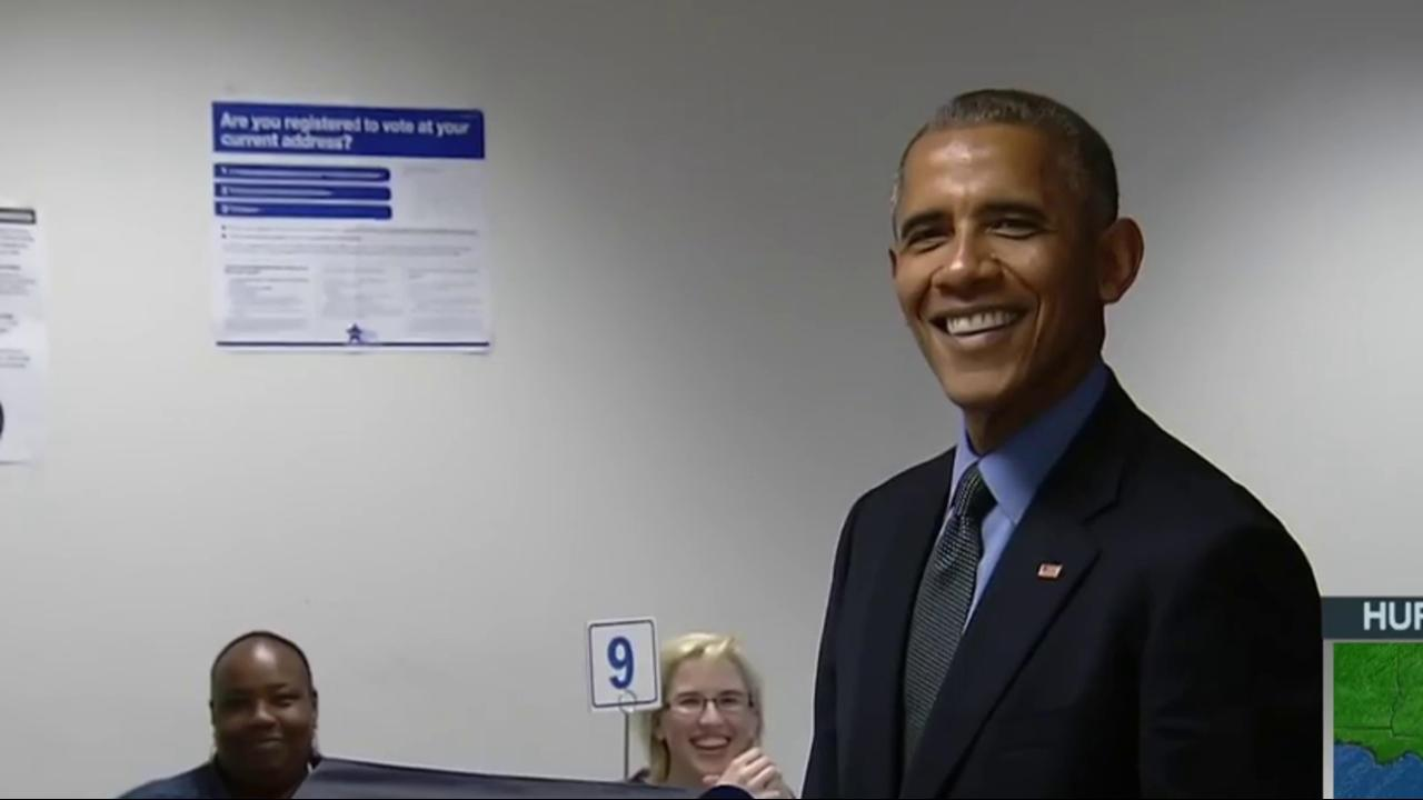 President Obama casts early vote in Illinois