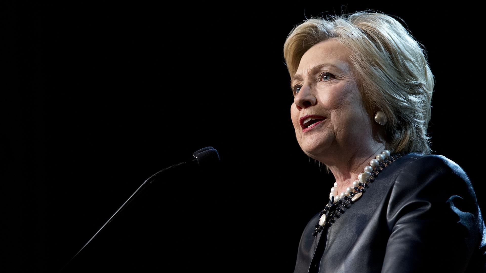 Watch Live Hillary Clinton Campaigns In Battleground Ohio