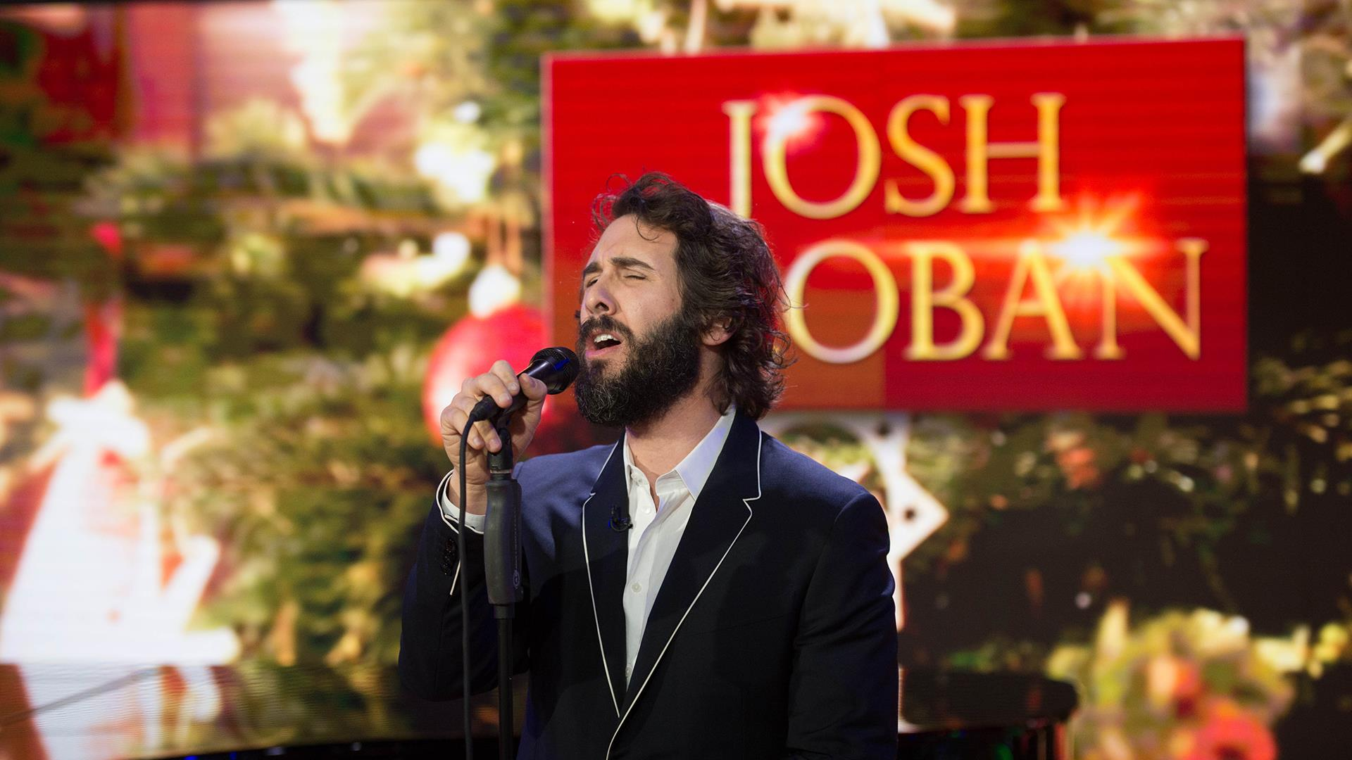 Josh Groban performs \'Have Yourself a Merry Little Christmas\' live ...