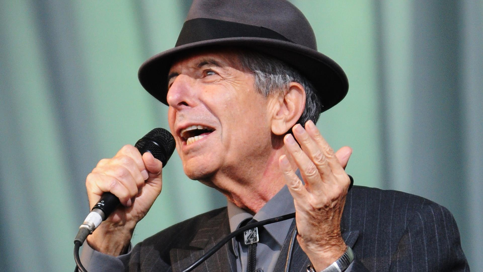 Leonard cohen legendary singer songwriter dies at 82 for Leonard cohen music videos