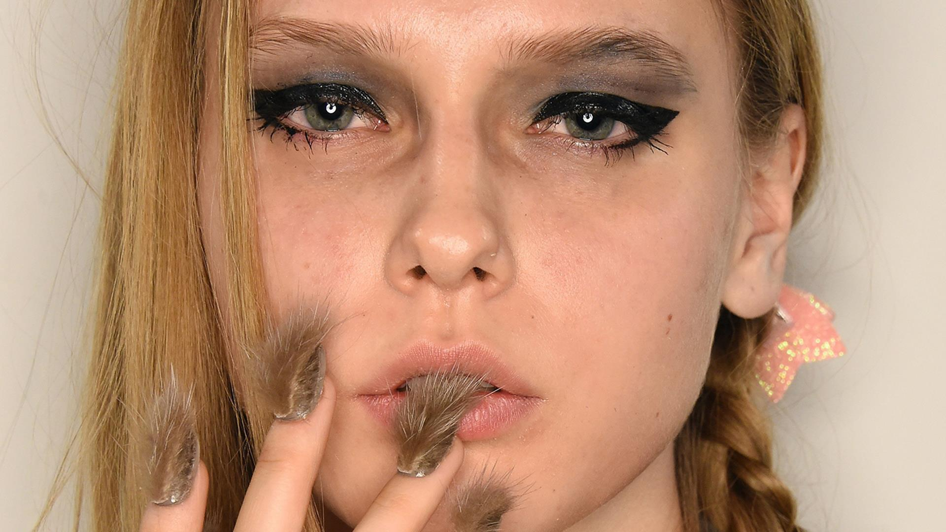 Fur nails, glitter lips and more: 2016\'s biggest beauty trends