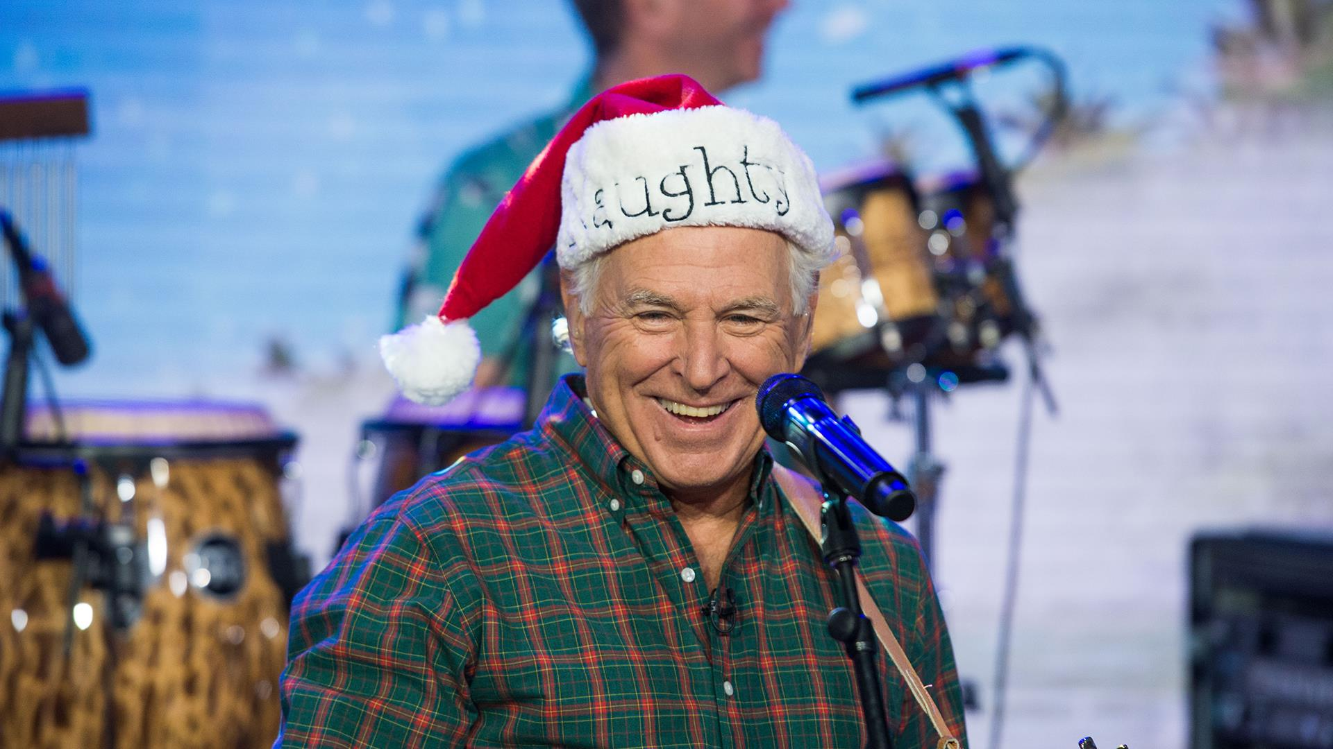 watch jimmy buffett sing wonderful christmastime live on today