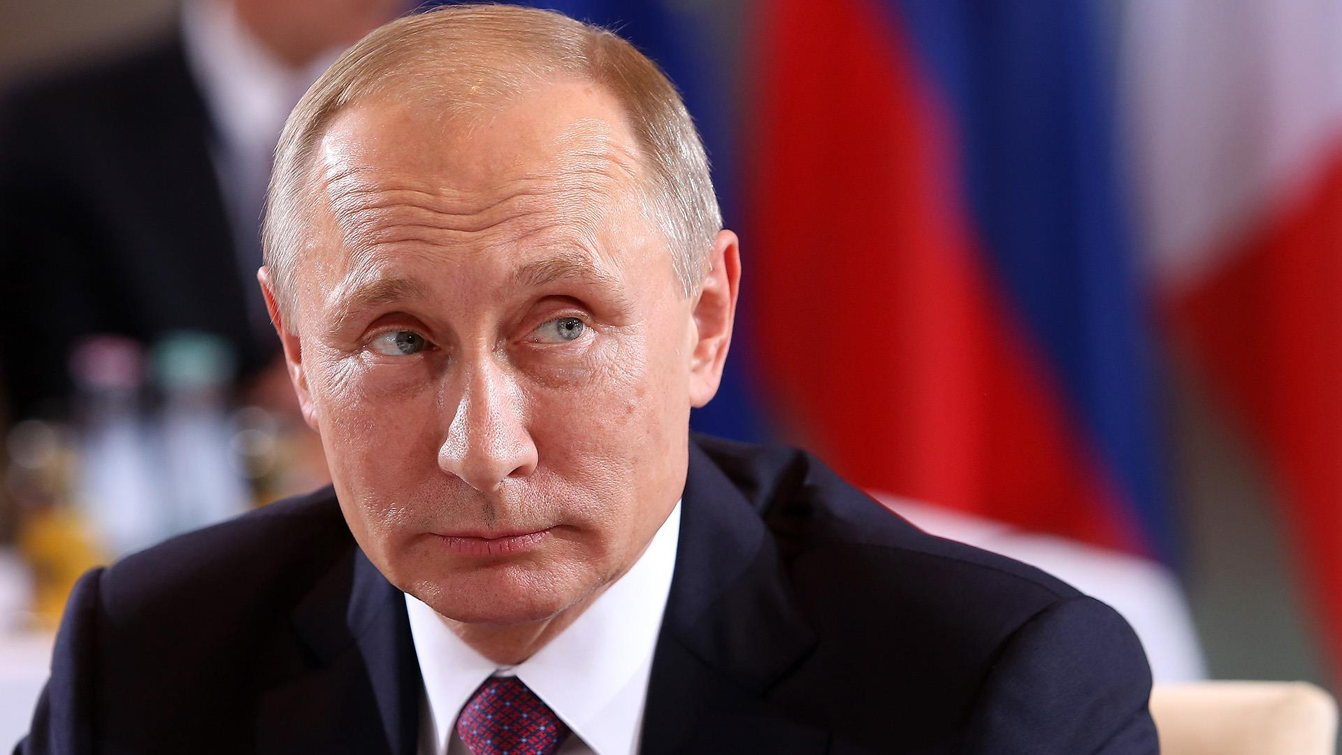 u s officials putin personally involved in u s election hack