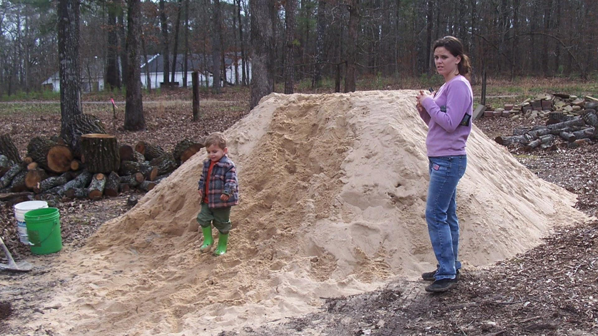 Single Mom Builds 3 500 Square Foot Home By Watching Youtube Tutorials