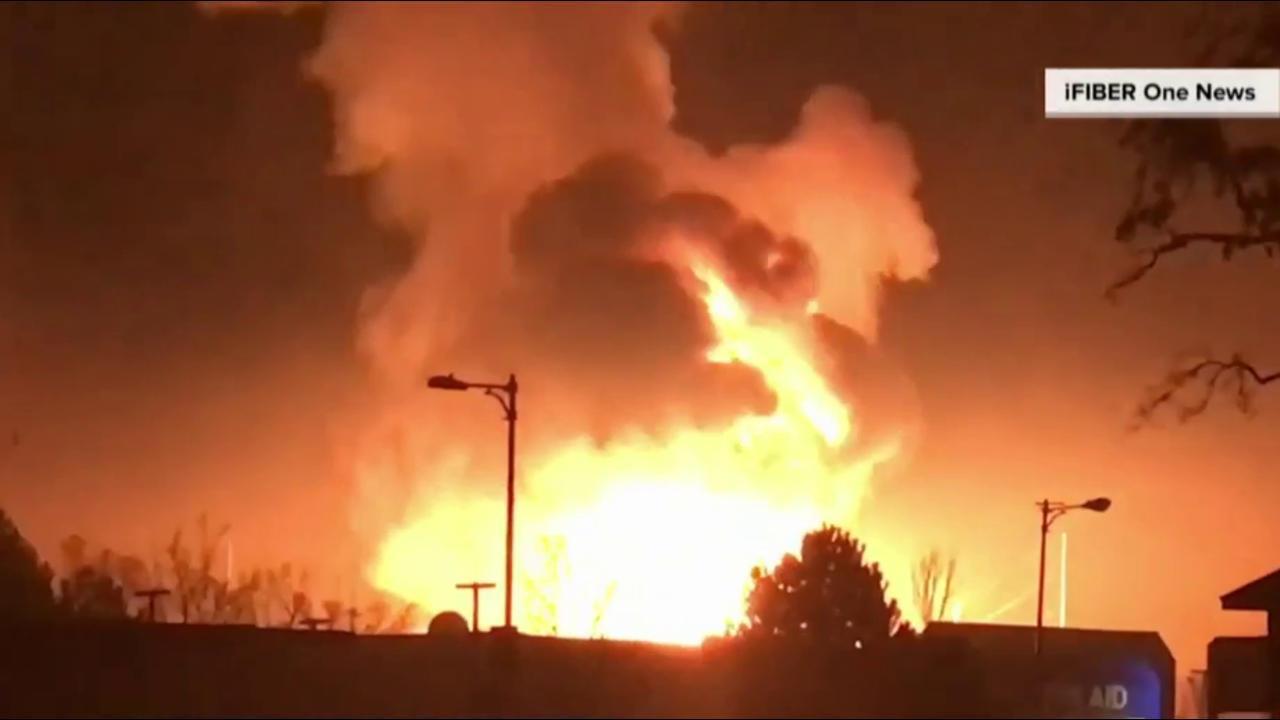 sends huge explosion Caught on fireball video: Substation