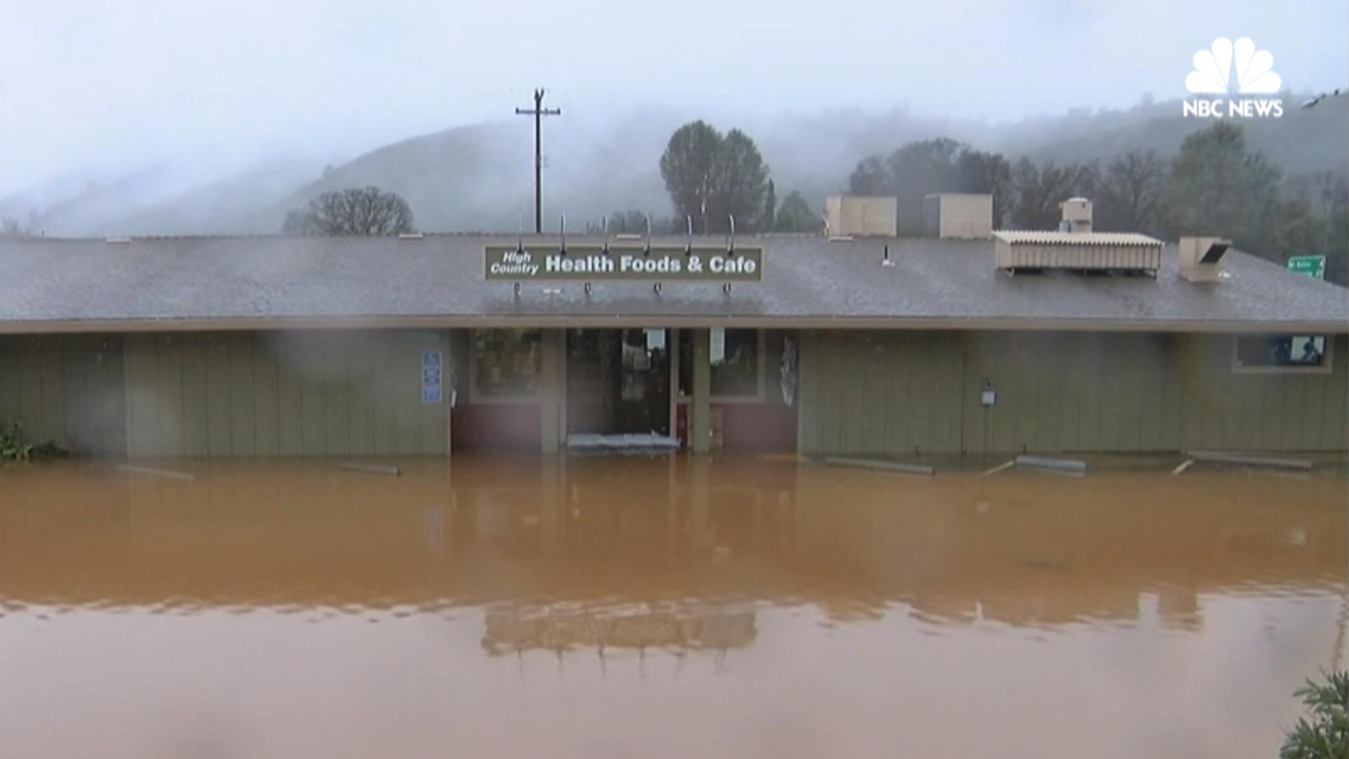 Strong Storms Cause Flooding in Central California - NBC News