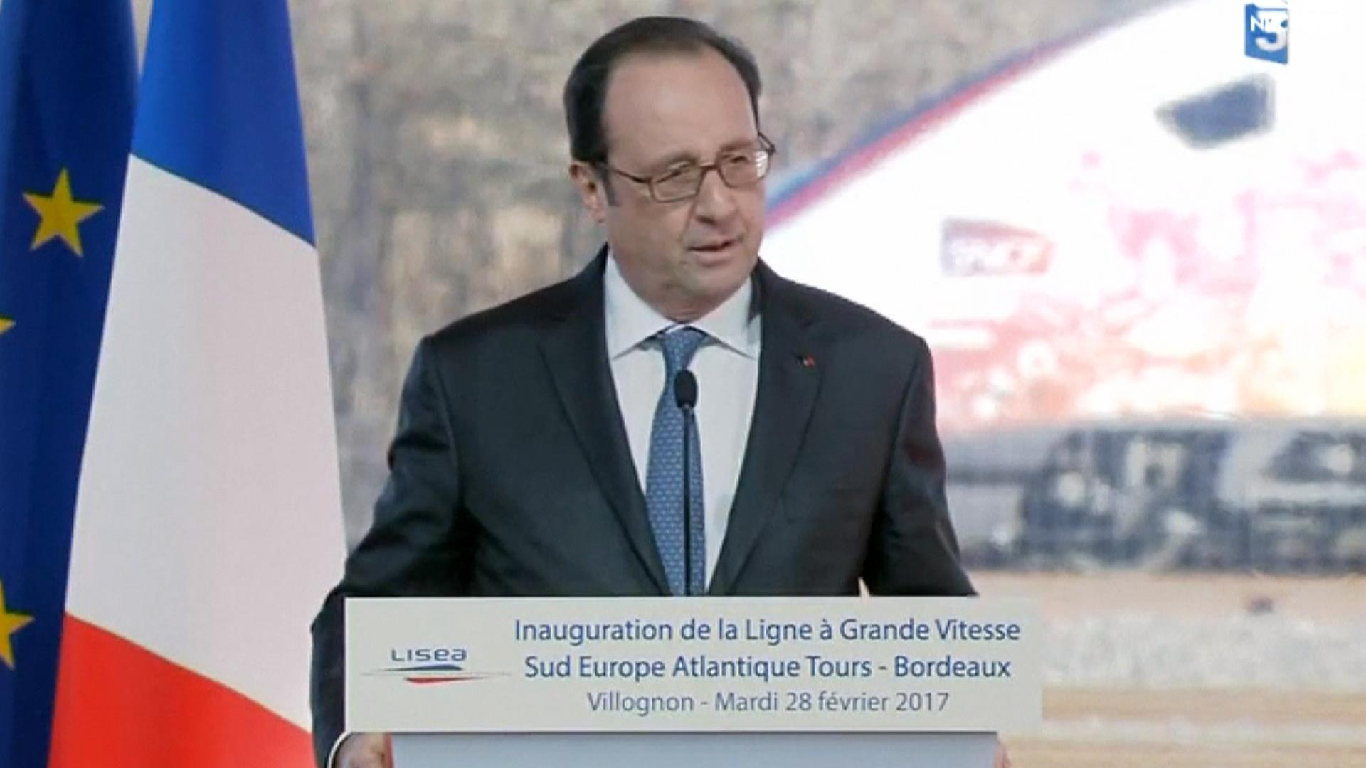 news world politics diplomacy injured police accidentally fires hollande speech