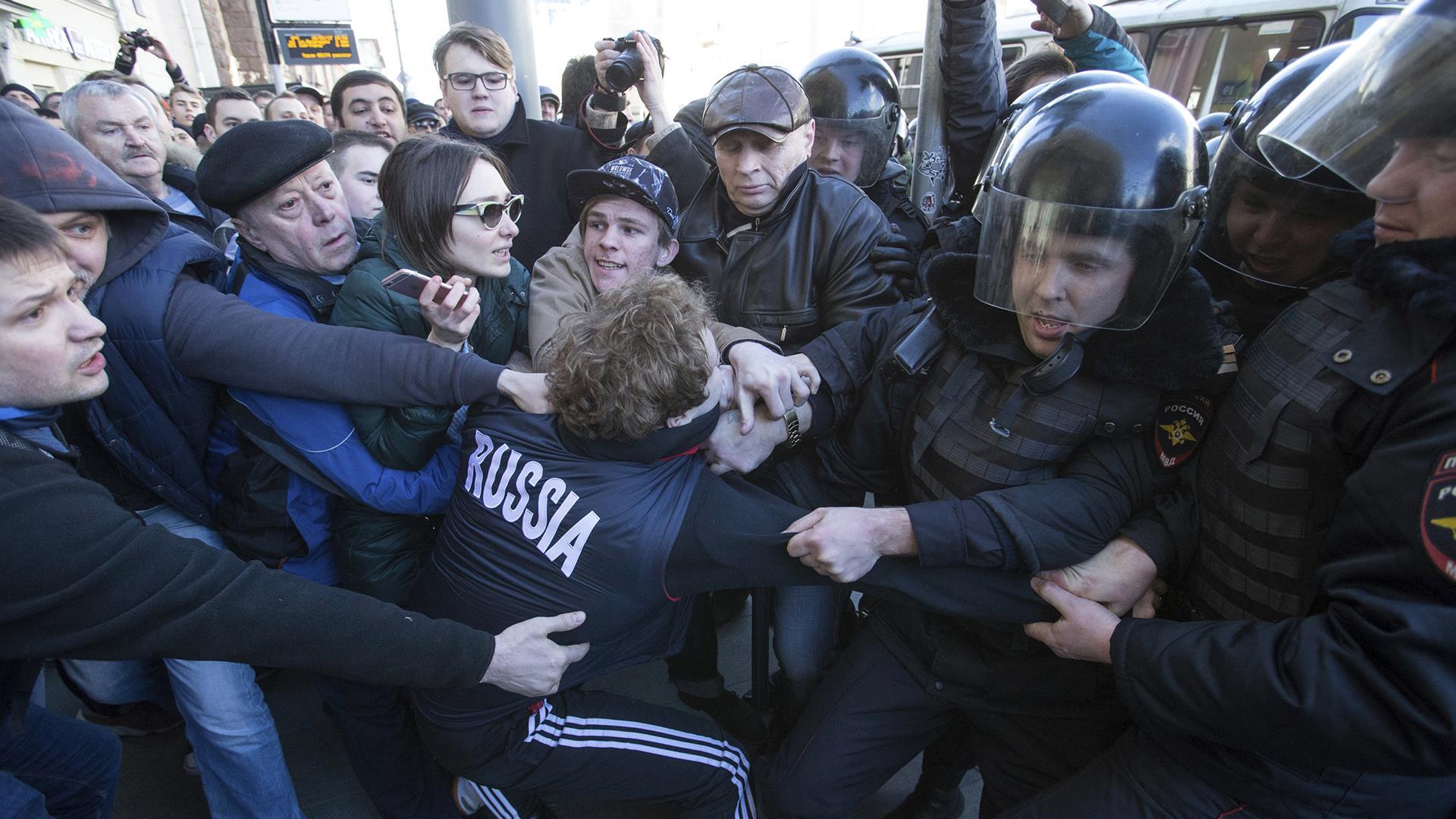 Russian Police Arrest Dozens at Anti-Corruption Protests